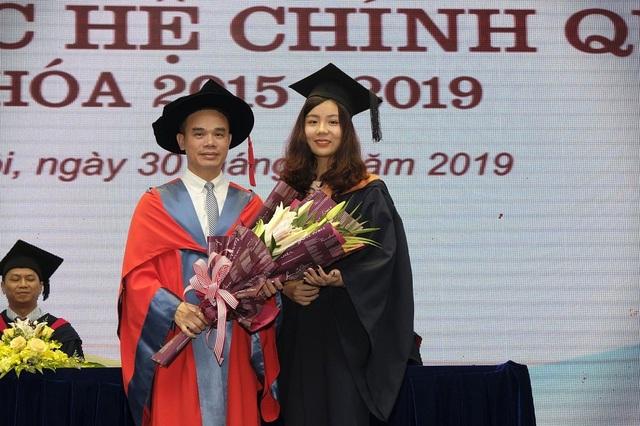 Nữ thủ khoa đầu ra ĐH Hà Nội tiết lộ bí quyết săn học bổng quốc tế - 2