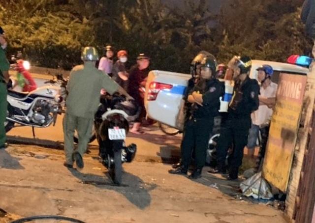 """Cảnh sát tạm giữ nhiều xe """"quái dị"""" khi đột kích bất ngờ một tiệm sửa xe  - 16"""