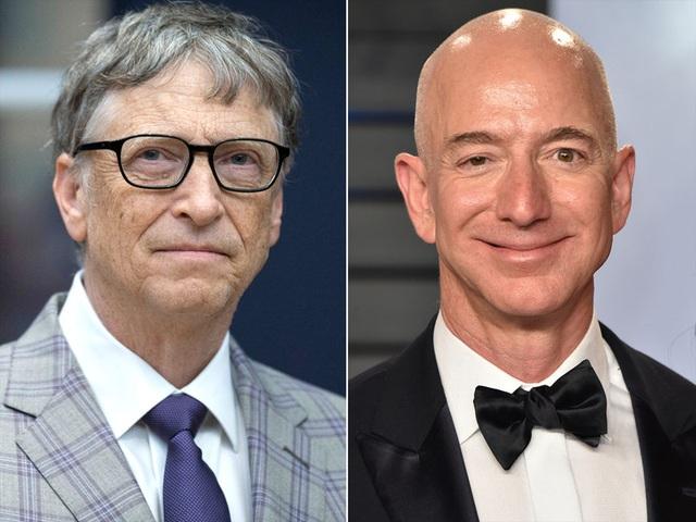 """Gay cấn cuộc đua giành ngôi """"người giàu nhất thế giới"""" giữa ông chủ Amazon và Bill Gates - 1"""