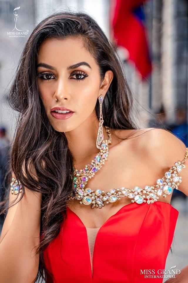 Chung kết Hoa hậu hoà bình quốc tế 2019: Kiều Loan dừng chân ở top 10, người đẹp Venezuela đăng quang hoa hậu - 13