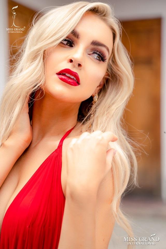 Chung kết Hoa hậu hoà bình quốc tế 2019: Kiều Loan dừng chân ở top 10, người đẹp Venezuela đăng quang hoa hậu - 20