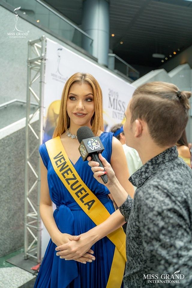 Nhan sắc ngọt ngào của mỹ nhân 19 tuổi vừa đăng quang Hoa hậu Hoà bình quốc tế 2019 - 22