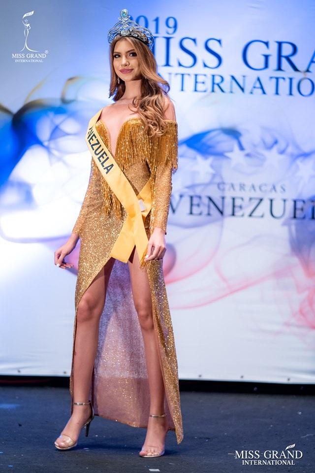Nhan sắc ngọt ngào của mỹ nhân 19 tuổi vừa đăng quang Hoa hậu Hoà bình quốc tế 2019 - 24