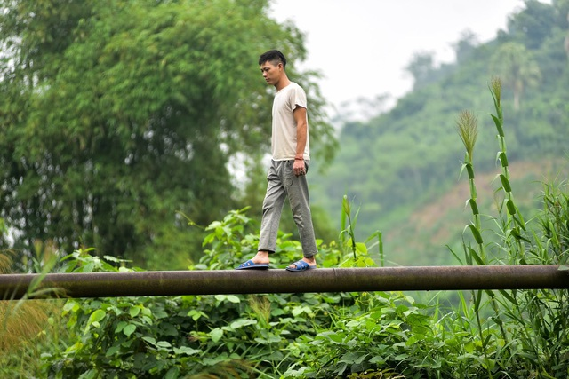 Tuyên Quang: Người dân như làm xiếc trên dây mỗi khi lũ về - 1