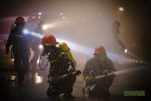 Gay cấn màn diễn tập cứu nạn bên trong hầm vượt sông Sài Gòn - 11