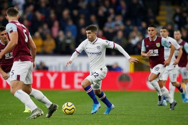 Pulisic lập hat-trick, Chelsea dễ dàng vượt qua Burnley - 2