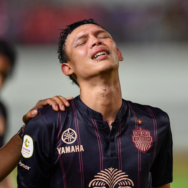 Supachai, Supachok bật khóc sau khi Buriram mất chức vô địch Thai League - 7