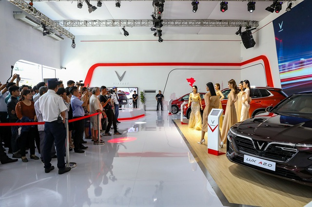 Giải mã 'hiện tượng' VinFast tại Vietnam Motor Show 2019 - 1