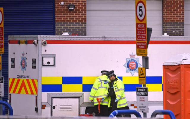 Cảnh sát nghi 39 tử thi thuộc đoàn 3 xe đưa hơn 100 người vào Anh - 1