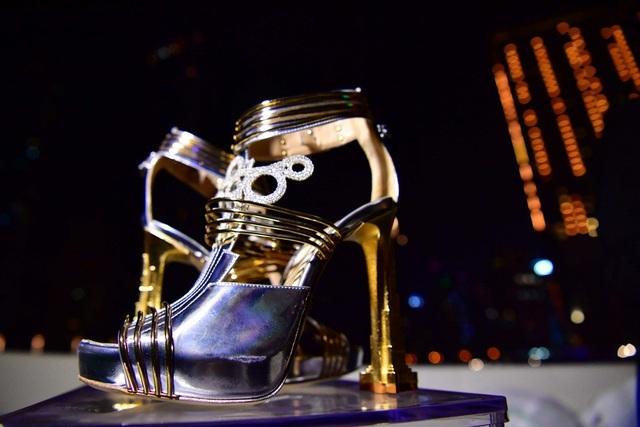 """""""Choáng"""" với đôi giày cao gót đắt nhất thế giới có giá… hơn 460 tỷ đồng - 1"""