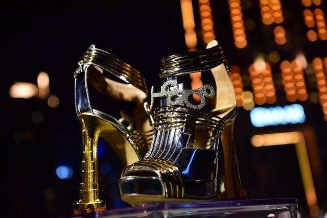 """""""Choáng"""" với đôi giày cao gót đắt nhất thế giới có giá… hơn 460 tỷ đồng - 3"""