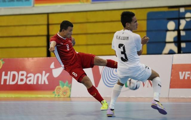 Những khoảnh khắc đội tuyển futsal Việt Nam giành vé dự giải châu Á  - 6