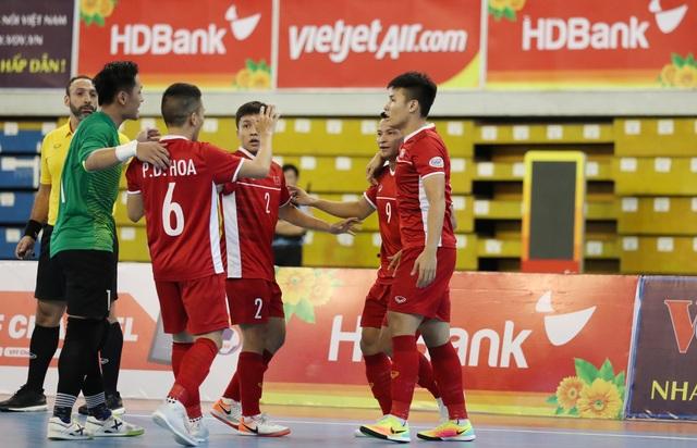 Những khoảnh khắc đội tuyển futsal Việt Nam giành vé dự giải châu Á  - 8