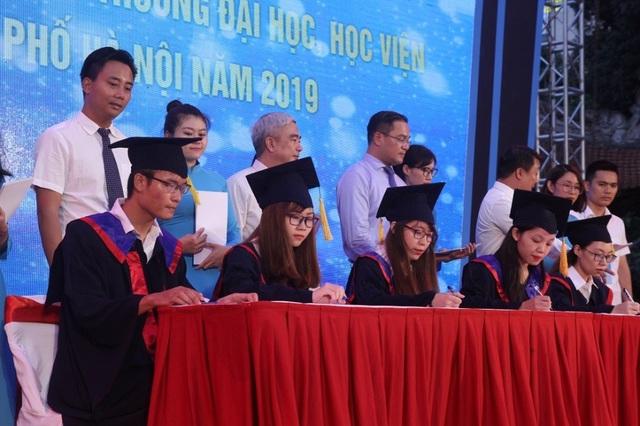 Hà Nội: 86 thủ khoa xuất sắc ghi danh tại Văn Miếu - Quốc Tử Giám - 2