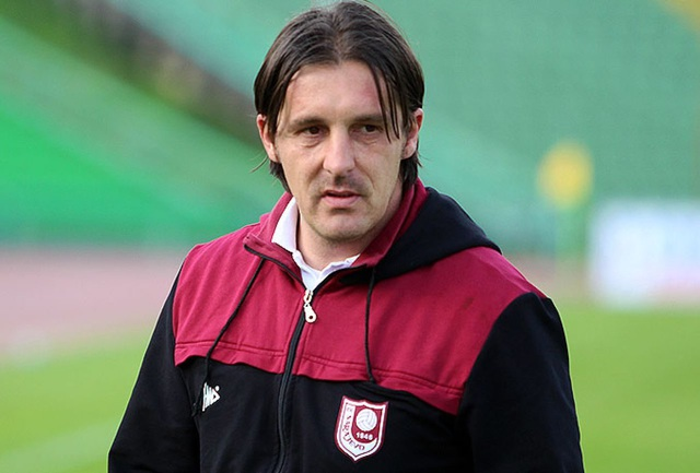 """HLV U19 Sarajevo: """"Bóng đá Việt Nam có thể dự World Cup"""" - 1"""