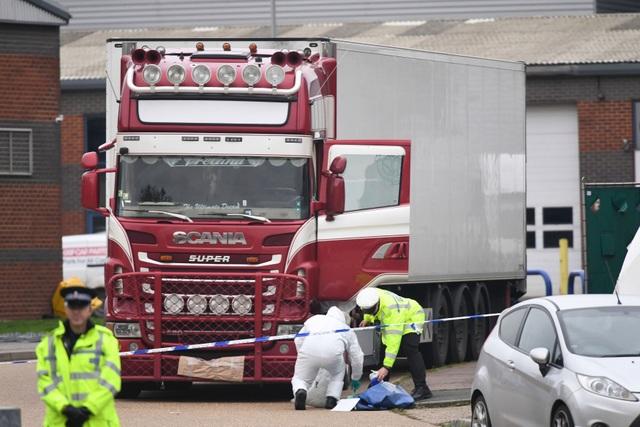 Cuộc điện thoại lạ của nghi phạm vụ 39 thi thể trong xe tải ở Anh - 2