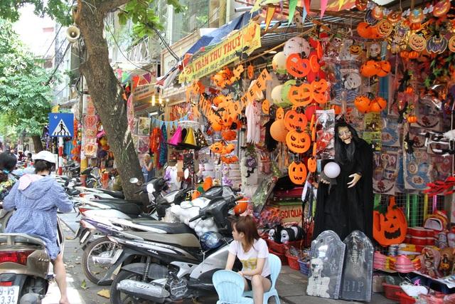 Thị trường Halloween: Tràn ngập sản phẩm xuất xứ từ Trung Quốc - 2