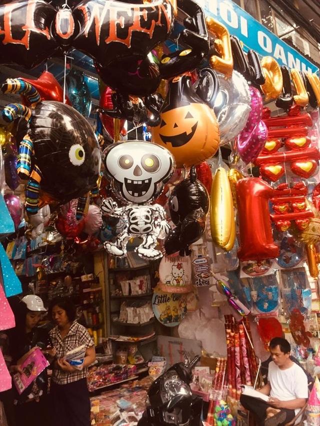 Thị trường Halloween: Tràn ngập sản phẩm xuất xứ từ Trung Quốc - 4