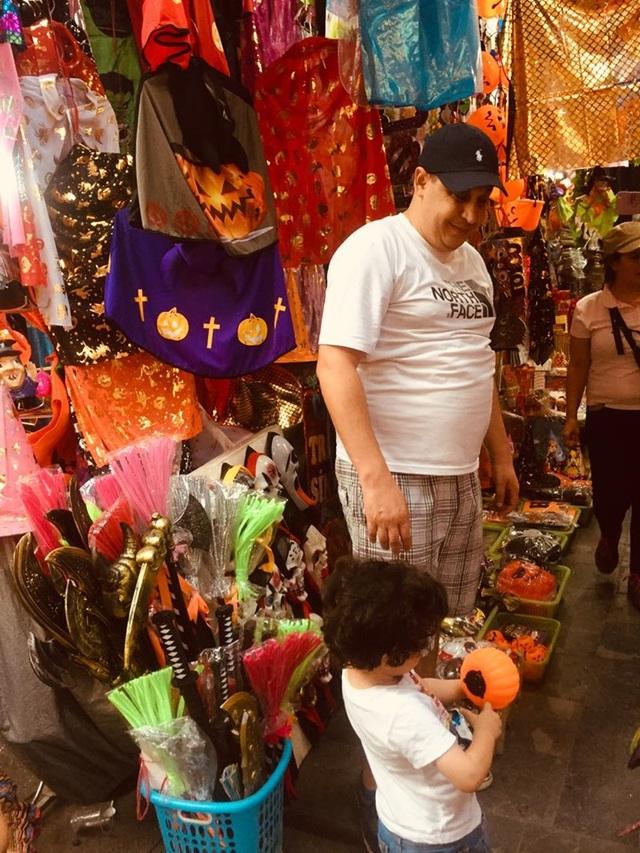 Thị trường Halloween: Tràn ngập sản phẩm xuất xứ từ Trung Quốc - 7