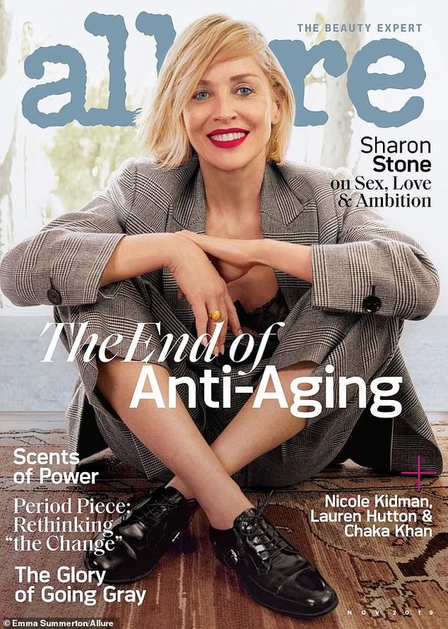 Sửng sốt trước diện mạo trẻ trung, gợi cảm của Sharon Stone - 3