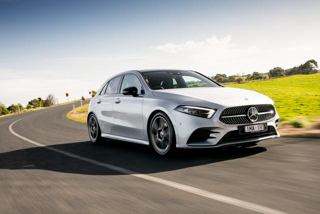 Mercedes-Benz triệu hồi xe vì lỗi... tuột túi khí - 1