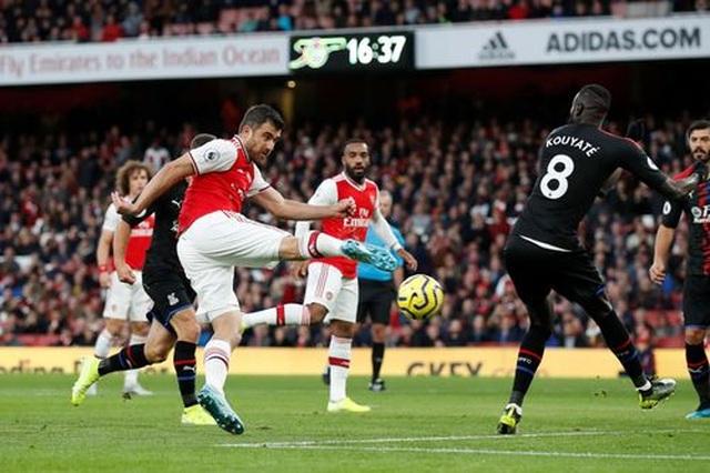 Arsenal 2-2 Crystal Palace: Thủ làm, thủ lại phá - 1