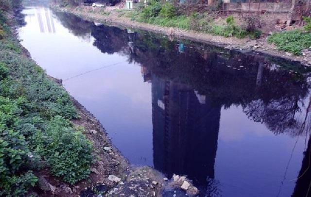 Mỗi ngày các dòng sông Hà Nội nhận 600.000 m3 nước thải - 5