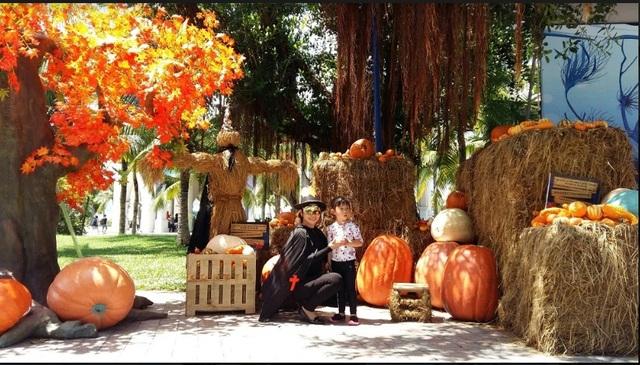 """Choáng với """"siêu bảo tàng"""" bí ngô của Vinpearl trong mùa Halloween - 1"""