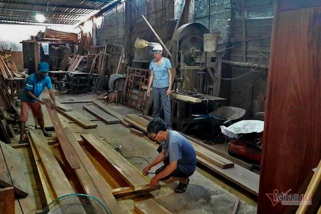 Bà chủ khuyết tật giành 120 huy chương, mở xưởng gỗ cho người nghèo - 4