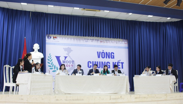 ĐH Quốc gia Hà Nội vô địch cuộc thi Phiên tòa giả định Vmoot năm 2019 - 1