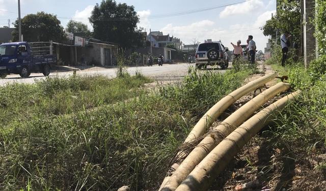 Quốc lộ 1A, 3 năm thi công, 6 lần gia hạn vẫn nham nhở chắp vá - 2