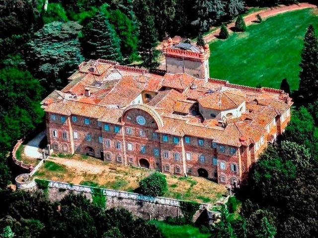 Khung cảnh ám ảnh tại những dinh thự bỏ hoang từng là biểu tượng của giàu có - 20