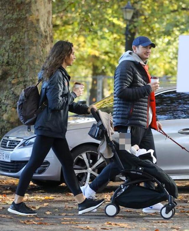Ngắm gia đình hạnh phúc của HLV Frank Lampard - 4