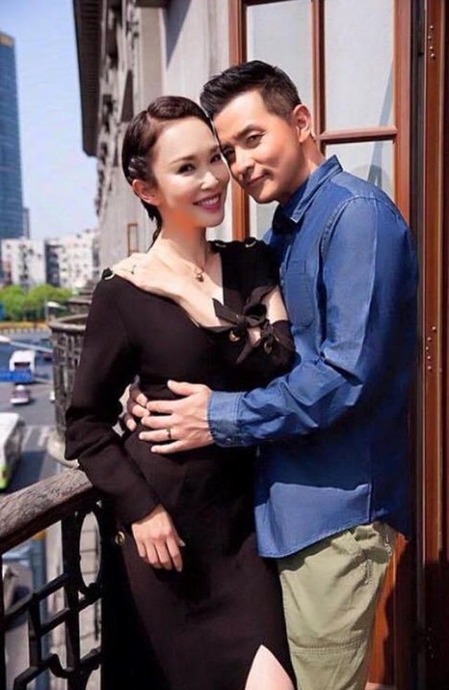 Vợ chồng Phạm Văn Phương - Lý Minh Thuận hoá trang ấn tượng đi chơi Halloween - 4