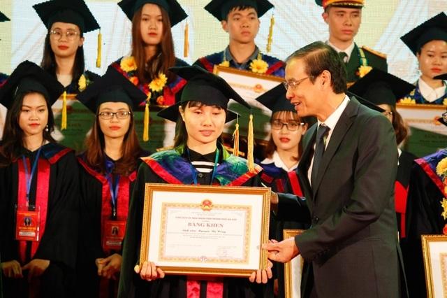 Hà Nội: Vinh danh 86 thủ khoa tốt nghiệp xuất sắc năm 2019 - 7