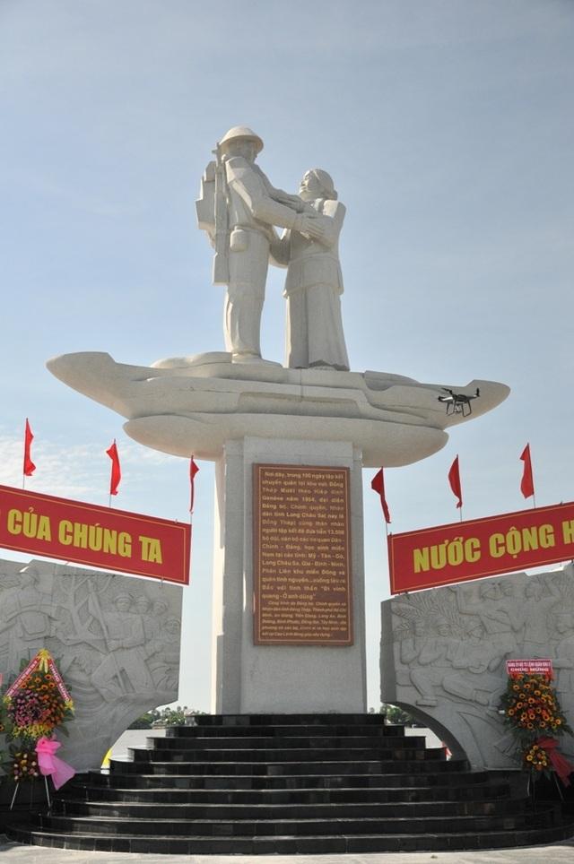 Khánh thành tượng đài Tập kết 1954 dịp kỷ niệm 65 năm ngày tiễn đoàn quân cuối cùng ra Bắc - 5