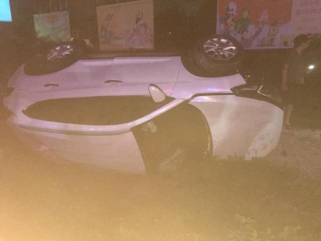 Lái ô tô qua đường sắt, Phó Bí thư huyện bị tàu tông tử vong - 1
