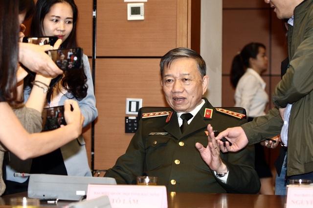 Bộ trưởng Công an Việt - Anh điện đàm trao đổi về vụ 39 người chết trong container - 1