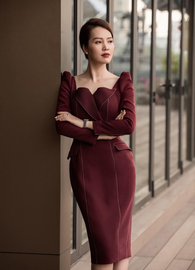 """BTV Thuỵ Vân tiết lộ """"luật ngầm bất thành văn"""" khi lên sóng VTV - 10"""