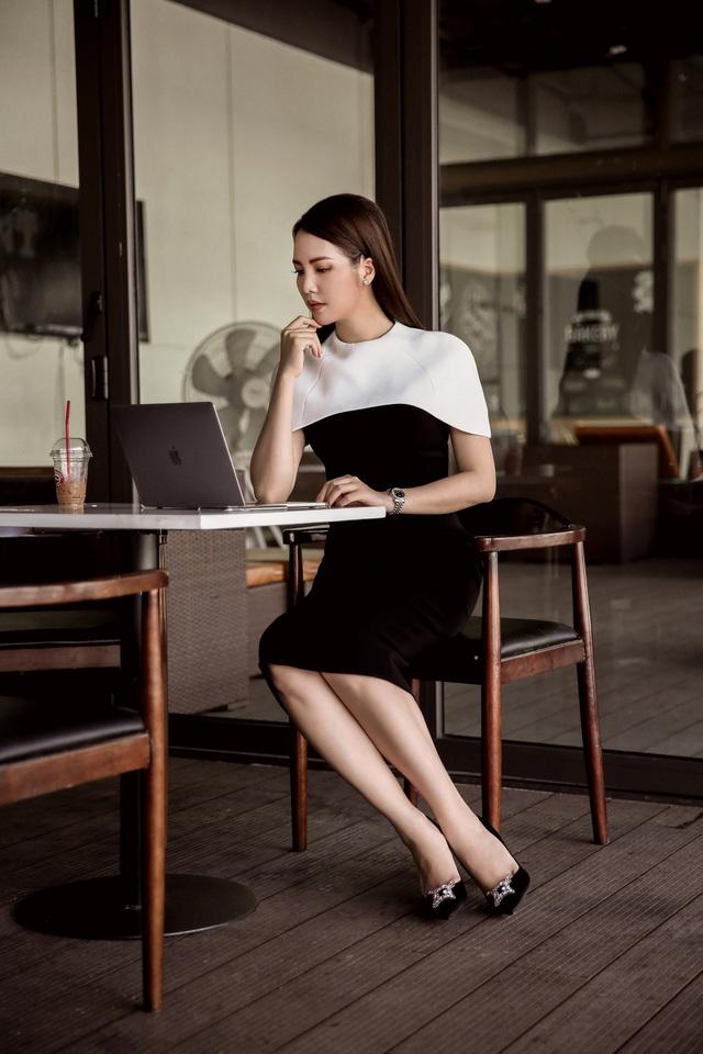 """BTV Thuỵ Vân tiết lộ """"luật ngầm bất thành văn"""" khi lên sóng VTV - 19"""