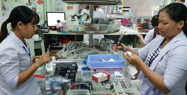 Ứng phó khẩn cấp với dịch Covid-19, giảm khoảng 10% giá thuốc - 1