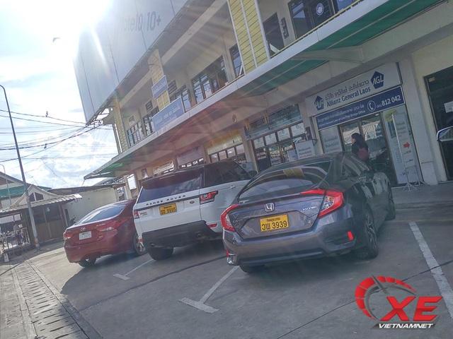 Đẳng cấp dân chơi Lào, xe sang biển siêu đẹp chạy đầy đường - 1