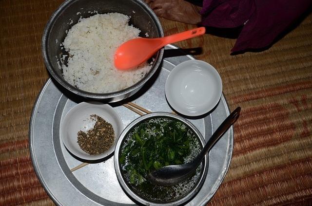 Cụ bà tuổi 90 thèm một bữa cơm có thịt trước khi nhắm mắt, nghe mà nhói lòng! - 7