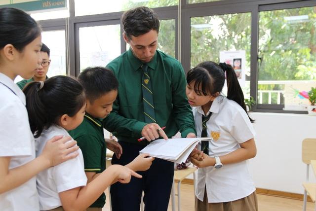 Hội nhập quốc tế dễ dàng hơn với giáo dục song ngữ - 1