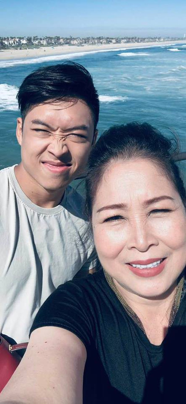 NSND Hồng Vân bật khóc nhớ lại tiếng hét của con trai lúc bị tai nạn - 2