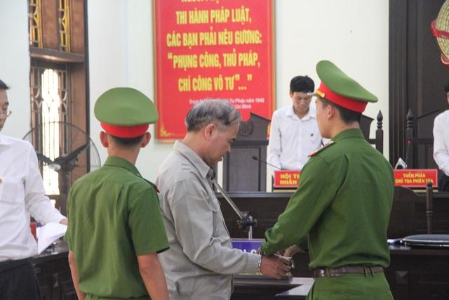Hiệu trưởng xâm hại tình dục nhiều nam sinh ở Phú Thọ lĩnh án 8 năm tù - 2