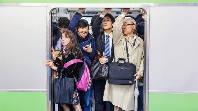 Làm việc suốt đời - Bí quyết giúp Nhật vươn mình thành siêu cường - 1