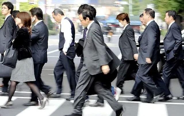 Làm việc suốt đời - Bí quyết giúp Nhật vươn mình thành siêu cường - 2