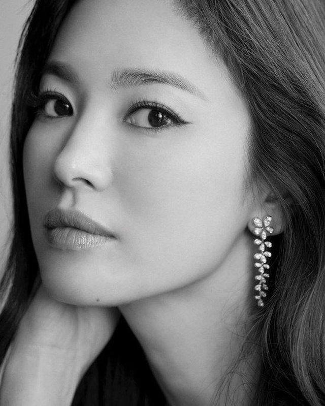 Cuộc vực dậy sau ly hôn đầy ấn tượng của Song Hye Kyo - 1