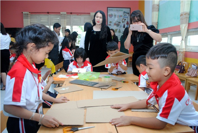 Quảng Bình: Triển khai chuyên đề dạy học STEM cho giáo viên 22 trường tiểu học - 2